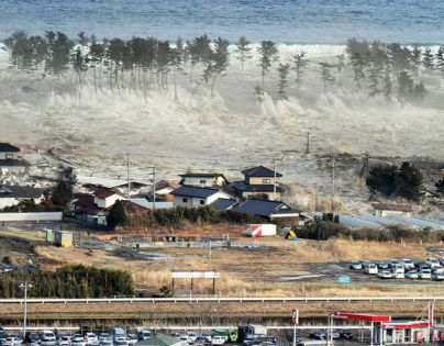japan-tsunami-earthquake-hits-northeast-wave_33143_600x450