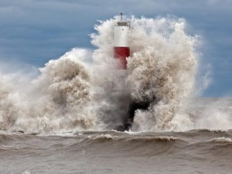 hurricane-superstorm-sandy-my-shot-lighthouse_60887_600x450