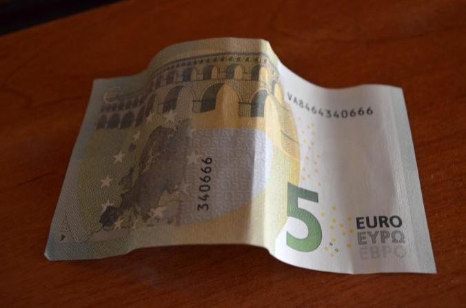 5 euros cara b
